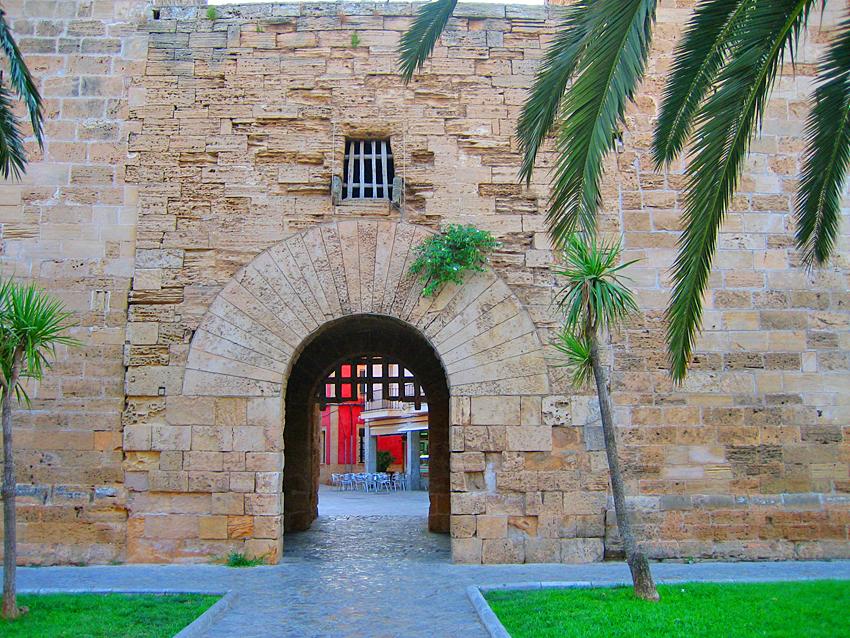 Historisches Stadttor von Alcudia