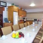 Barrierefreies Ferienhaus MA7420 Küche mit Esstisch