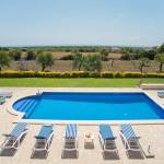 Ferienhaus Mallorca - Blick über den Pool