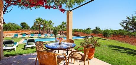 Mallorca Südostküste – Barrierefreies Ferienhaus Cas Concos 6630 mit Pool, Grundstück 22.000qm, Wohnfläche 400qm. Wechseltag vom 30.06. – 01.09.2017 ist Samstag, Rest flexibel – Mindestmietzeit 1 Woche. 2018 buchbar.