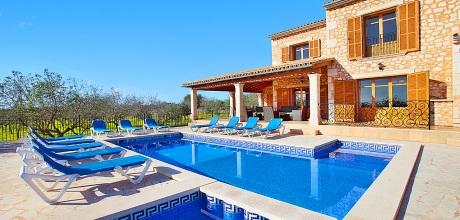 Mallorca Südostküste – Ferienhaus MA6690 mit Pool und Kinderpool, Strand 3km, Grundstück 15.000qm, Wohnfläche 375qm. An- und Abreisetag nur Samstag.