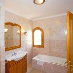 Ferienhaus Mallorca MA7420 Bad mit Wanne (2)