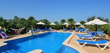 Mallorca Nordküste – Rollstuhlgeeignetes Ferienhaus Picafort 7420 mit Pool, Grundstück 5.500qm, Wohnfläche 285qm, Strand 3km. Wechseltag flexibel