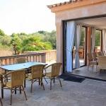 Ferienhaus Mallorca MA7420 Terrasse mit Esstischen