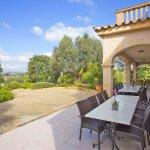 Ferienhaus Mallorca MA8300 Esstisch auf Terrasse