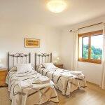 Ferienhaus Mallorca MA8300 Schlafraum mit 2 Betten