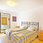 Ferienhaus Mallorca MA8300 Zweibettzimmer (2)