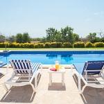 Ferienhaus Mallorca - Sonnenliegen am Pool