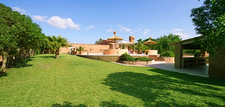 Mallorca Südostküste – Ferienhaus Felanitx 6107 mit Pool, Grundstück 15.000qm, Wohnfläche ca. 260qm. Wechseltag flexibel – Mindestmietzeit 1 Woche.
