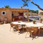 Finca Cas Concos MA6775 Gartenmöbel auf der Terrasse