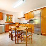 Finca Mallorca MA5770 Küche mit Tisch