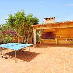 Finca Mallorca MA5770 Tischtennisplatte auf der Terrasse