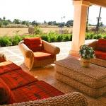 Finca-Mallorca-MA7065-Sitzmöbel-auf-Terrasse