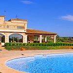 Finca-Mallorca-MA7065-Sonnenliegen-am-Pool