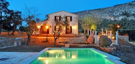 Mallorca Nordküste – Finca Pollensa 7310 mit Tennisplatz, Pool und Whirlpool für 12-14 Personen. Wechseltag Samstag.