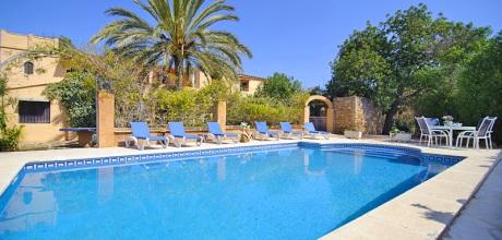 Mallorca Südostküste – Finca Felanitx 7670 mit Pool für 12-14 Personen, Grundstück 9.000qm, Wohnfläche ca. 400qm. Wechseltag flexibel – Mindestmietzeit 1 Woche. 2018 buchbar.