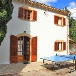 Landhaus Mallorca MA6348 Tischtennis-Platte vor dem Haus