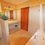 Villa Mallorca MA6651 Bad mit Wanne (3)