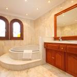 Ferienhaus Cala d Or MA5730 Bad mit Eckwanne