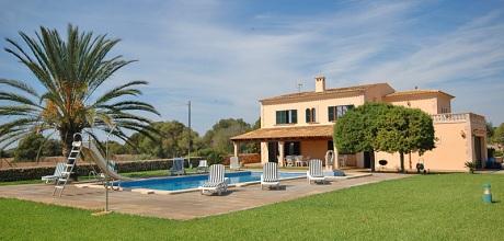 Mallorca Südostküste – Ferienhaus Cala Sanau 5730 mit Pool und Tennisplatz in Strandnähe (1,5km), Grundstück 7.200qm, Wohnfläche 300qm. An- und Abreisetag Samstag.