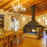 Ferienhaus Mallorca 5731 - großer Kamin im Wohnbereich
