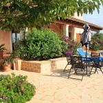 Ferienhaus Mallorca MA5208 - Gartenmöbel und Liegen auf der Terrasse