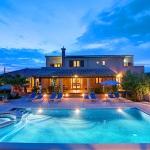 Ferienhaus Mallorca MA5208 - Hausansicht vom Pool am Abend