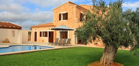 Mallorca Südostküste – Deluxe Ferienhaus Calonge 5650 mit Pool, Grundstück 10.000qm, Wohnfläche 280qm. Wechseltag Samstag.