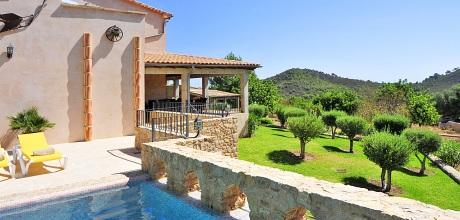 Mallorca Südostküste – Komfort Finca S'Horta 5675 mit Pool und schönem Ausblick in ruhiger Lage, Strand 6.5km, Grundstück 21.000qm, Wohnfläche 350qm. Wechseltag Samstag.