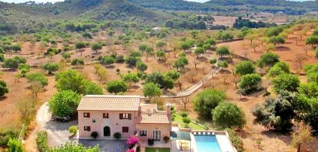 Mallorca Südostküste – Komfort Finca S'Horta 5675 mit Pool und schönem Ausblick in ruhiger Lage, Strand 6.5km, Grundstück 21.000qm, Wohnfläche 350qm. Wechseltag Samstag – 2018 jetzt buchen!