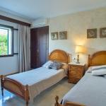 Ferienhaus Mallorca MA5940 Schlafraum mit 2 Betten