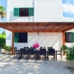 Ferienhaus Mallorca MA5940 Terrasse mit Gartentisch