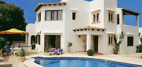 Mallorca Südostküste – Villa Cala D' Or 5950 mit Pool in Strandnähe (ca. 400m), Grundstück 700qm, Wohnfläche 200qm. Wechseltag Samstag – Mindestmietzeit 1 Woche.