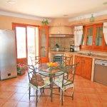 Ferienhaus Mallorca MA6007 Tisch in der Küche