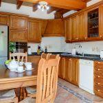 ferienhaus-mallorca-ma6316-kuche-mit-tisch