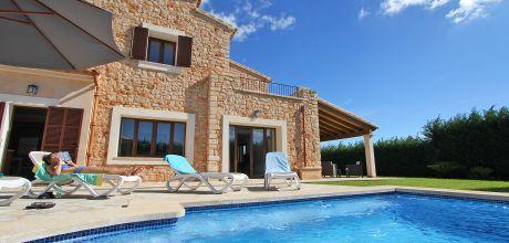 Mallorca Südostküste – Deluxe Ferienhaus Calonge 5650 mit Pool, Grundstück 10.000qm, Wohnfläche 280qm. Wechseltag Samstag, Nebensaison flexibel, Mindestmietzeit 1 Woche.
