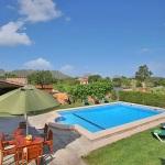 Finca-Mallorca-MA5372-Gartentisch