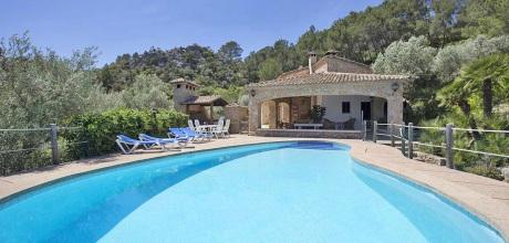 Mallorca Nordküste – Ferienhaus Pollensa 5380 mit Pool für 10 Personen mieten. Wechseltag Samstag, Nebensaison flexibel – Mindestmietzeit 1 Woche.