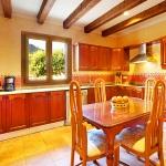Finca Mallorca MA5675 Küche mit Tisch