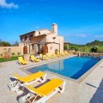 Finca Mallorca MA5675 Sonnenliegen am Pool