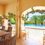 Finca Mallorca MA5832 überdachte Terrasse am Pool