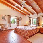 Finca Mallorca MA5832 Schlafzimmer mit Doppelbett