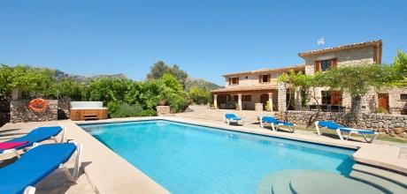Mallorca Nordküste – Finca Pollensa 5361 mit Pool und beheiztem Garten-Whirlpool, Grundstück 8.000qm, Wohnfläche 240qm. Wechseltag Samstag.