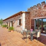 Finca S'Horta MA5656 Terrasse mit Tisch
