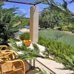 Luxus Ferienhaus Mallorca 5641 Terrasse mit Lavendel