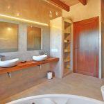 Luxus Finca Mallorca MA5470 Bad mit 2 Waschbecken