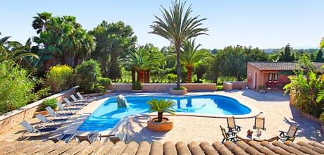 Mallorca Südostküste – Ferienhaus Cala D'Or 5645 mit großem Pool für 10-12 Personen, Strand 2km, Grundstück 15.000qm, Wohnfläche 375qm. An- und Abreisetag nur Samstag.