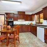 Mallorca Ferienhaus MA5645 Küche mit Esstisch