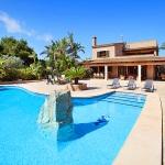 Mallorca Ferienhaus MA5645 Poolterrasse mit Liegen