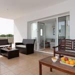 villa-mallorca-ma5665-uberdachte-terrasse-mit-gartenmobel